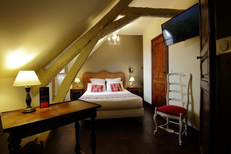 Chambre double standard hôtel la couleuvrine à sarlat