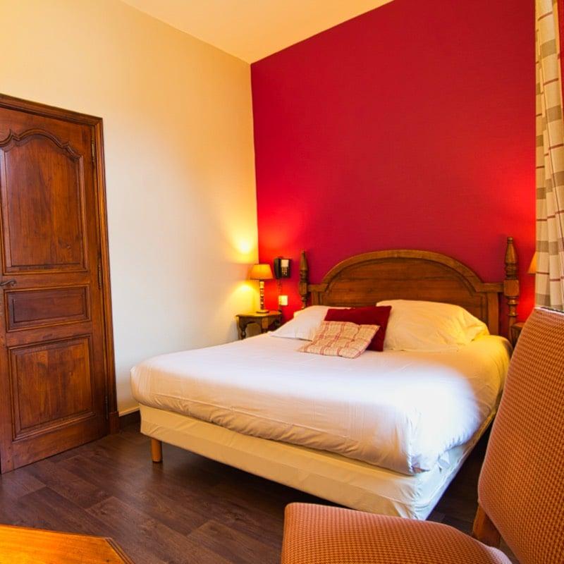 Chambre standard double à l'hôtel La couleuvrine à Sarlat
